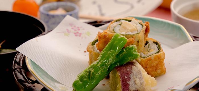 綾部の料亭 ゆう月 春の会席料理 桜鯛 桜の葉 ゆば 天ぷら