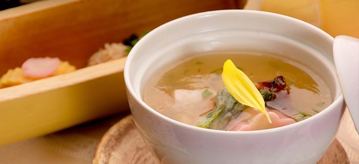 綾部の料亭 ゆう月 春の会席料理 茶碗蒸し 上林鶏 低温調理