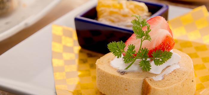 綾部の料亭 ゆう月 春の会席料理 デザート ロールケーキ 和三盆 魚沼産コシヒカリ