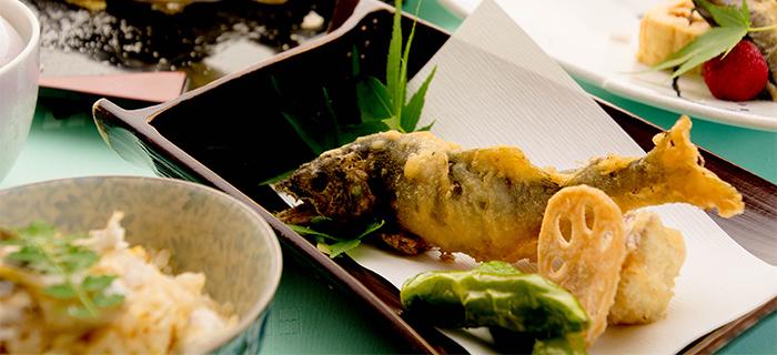 ゆう月 夏の料理 鮎料理 鮎の天ぷら