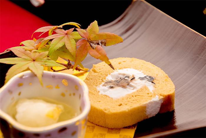 綾部の料亭 ゆう月 秋の会席料理 デザート ロールケーキ 栗の甘露煮