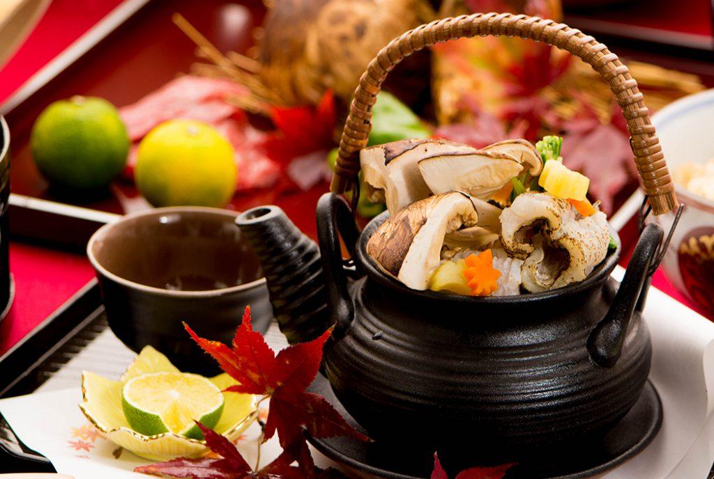 綾部の料亭 ゆう月 秋の会席 松茸 土瓶蒸し
