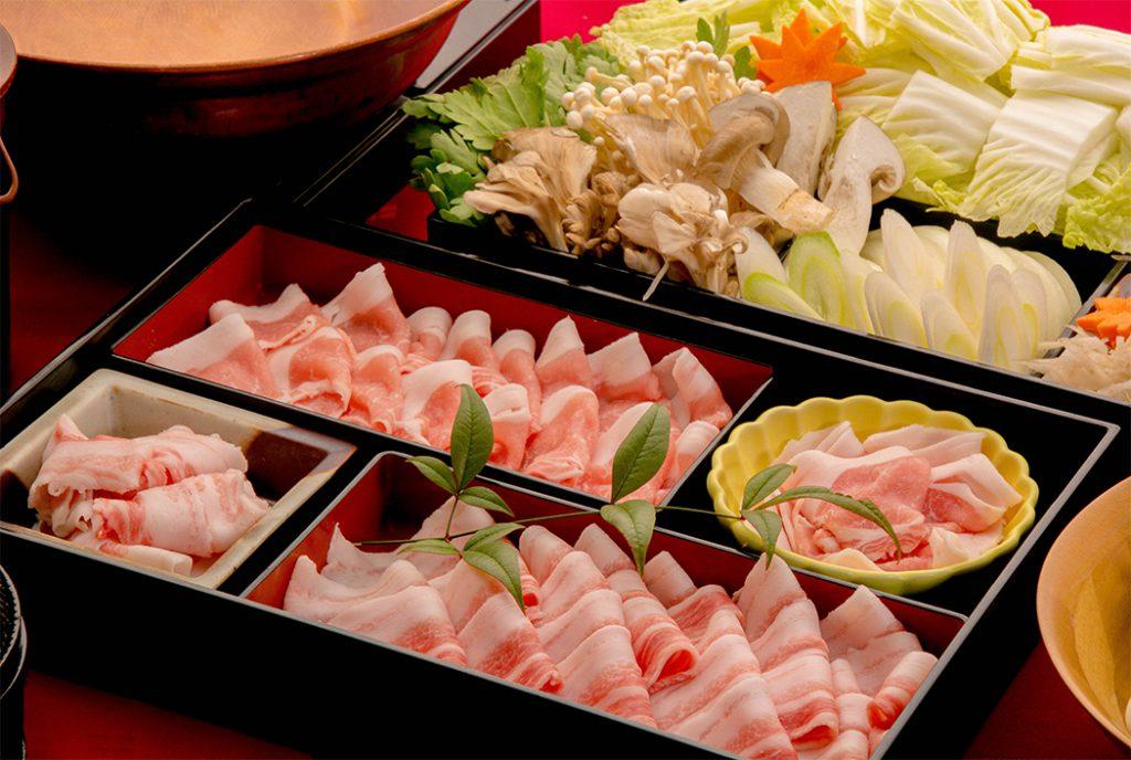 綾部の料亭 ゆう月 別館 鍋料理 団体向け宴会料理 京丹波高原豚のしゃぶしゃぶ