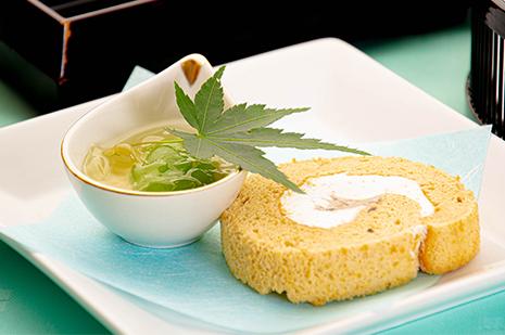 綾部の和食の店 ゆう月 夏 お盆の会席料理 ロールケーキ 若桃