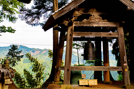 京都 ゆう月の周辺案内 観光案内 光明寺 仁王門 国宝 重要文化財 梵鐘