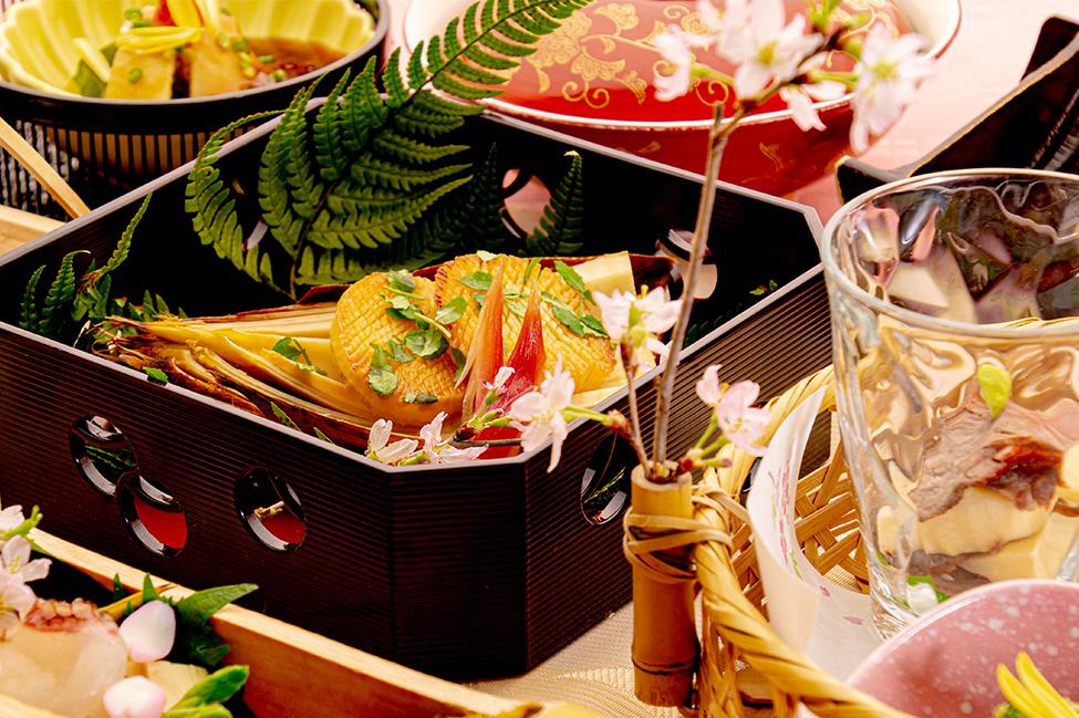 綾部の和食レストラン ゆう月の春の料理 たけのこ会席の焼き物 筍の丸焼き 木の芽焼き