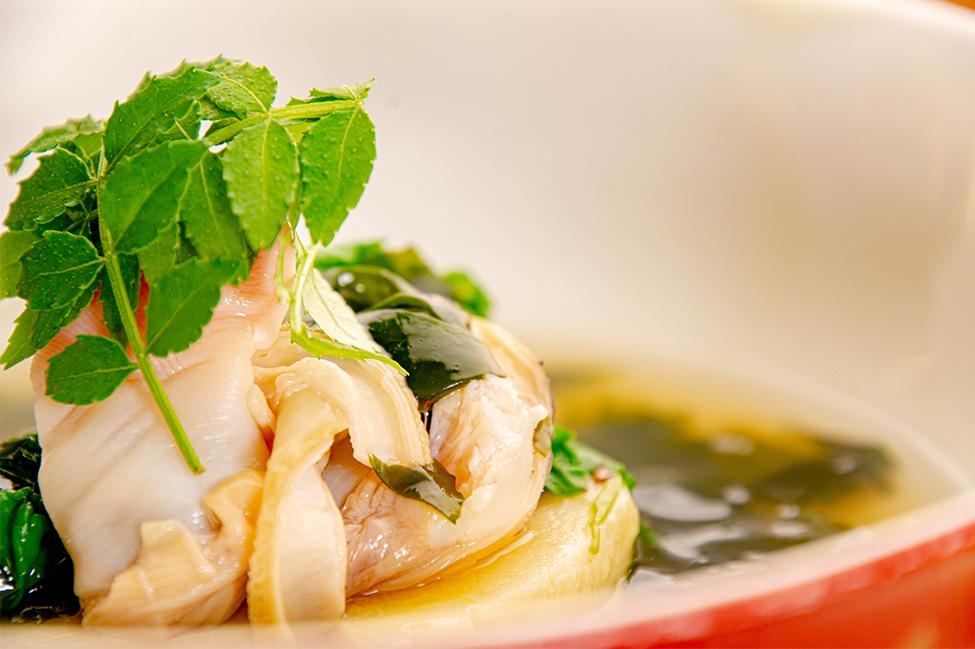 綾部の和食レストラン ゆう月の春の料理 たけのこ会席の蒸し物 筍とはまぐりのあんかけ
