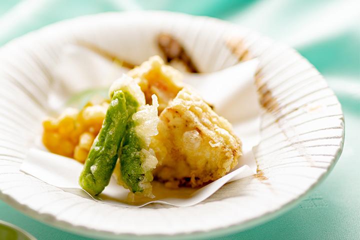 綾部 和食レストラン 夏の会席料理 天ぷら とうもろこしのかき揚げ