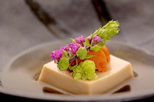 綾部の料亭 ゆう月 6月の会席料理 胡麻豆腐 うに