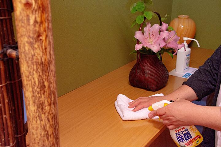 綾部の和食レストラン ゆう月の新型コロナウイルス対策 清拭