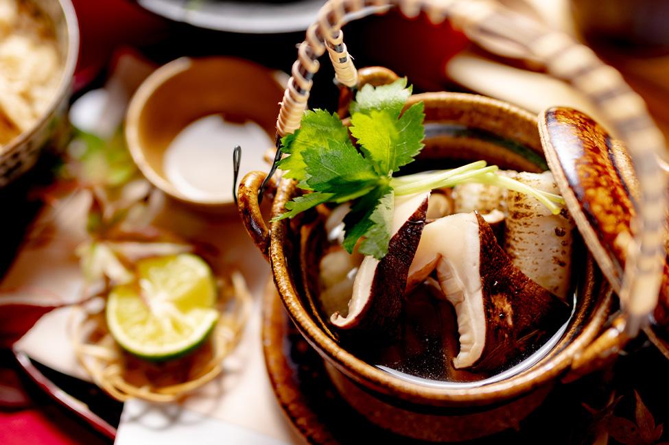 綾部市の和食レストラン ゆう月の松茸料理 土瓶蒸し