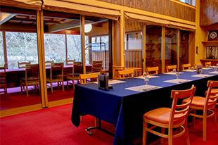 綾部の料亭 ゆう月 座席 団体 椅子席 テーブル席