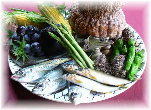 夏の食材(鮎・鱧・万願寺唐辛子・加茂茄子・玉蜀黍(とうもろこし))をご紹介しています。