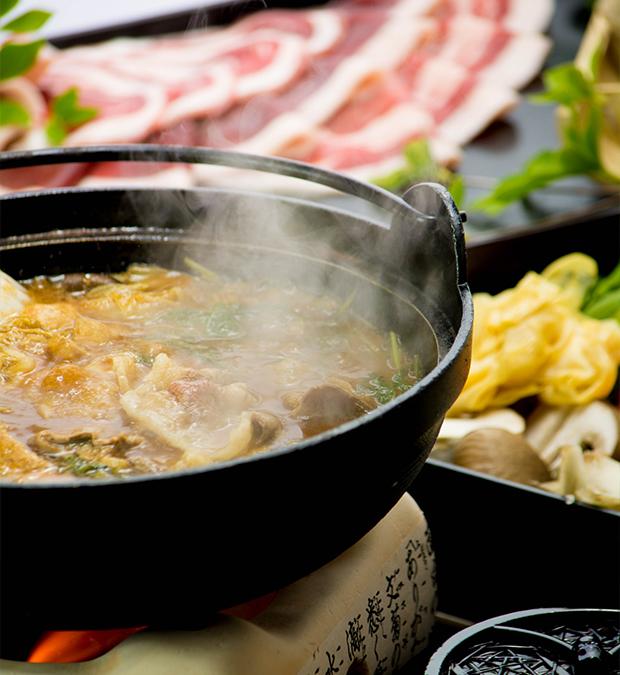 綾部 料亭 ゆう月 鍋料理 すき焼き しゃぶしゃぶ 牡丹鍋 飲み放題