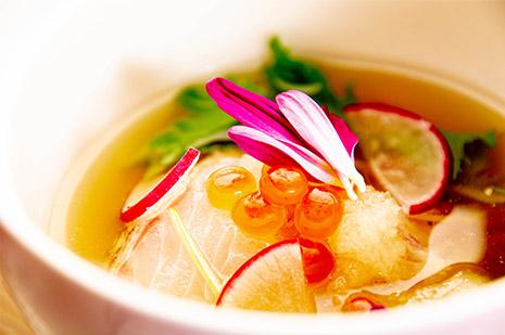 綾部の料亭 ゆう月 秋の会席料理のページ 和食料理の酢物 鯛の昆布締め