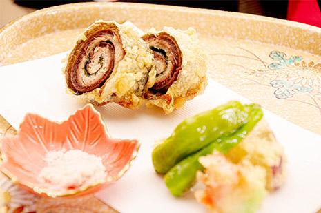 綾部の料亭 ゆう月 秋の会席料理のページ 和食料理の天ぷら サンマの天ぷら