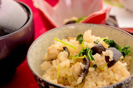 綾部の料亭 ゆう月 秋の会席料理 キノコご飯