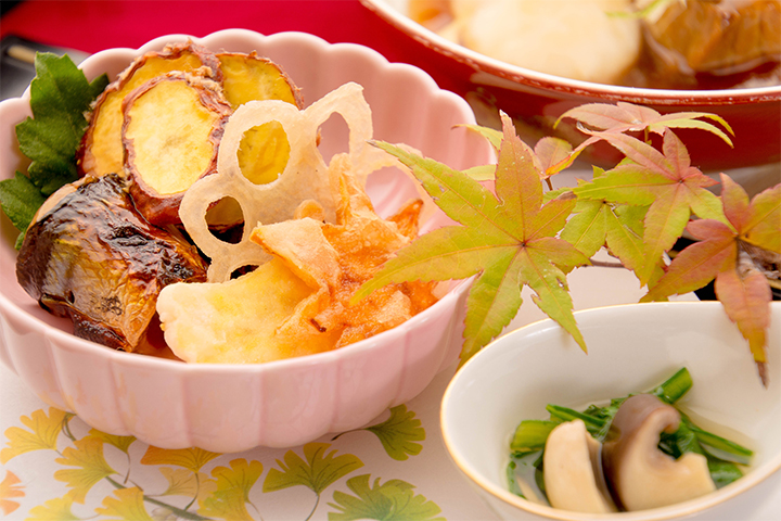 綾部の料亭 ゆう月 秋の会席 焼き物 サンマ 松茸