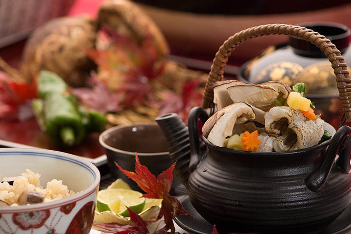 綾部の料亭 ゆう月 料理長 料理人の作る松茸料理