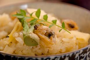綾部の料亭 ゆう月 会席料理 あさりと山菜のごはん