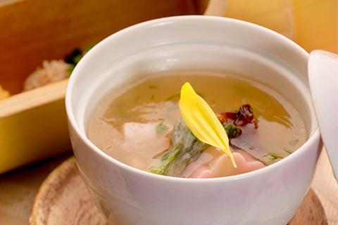 綾部の料亭 ゆう月 春の会席料理 茶碗蒸し 低温調理 鶏肉 上林鶏