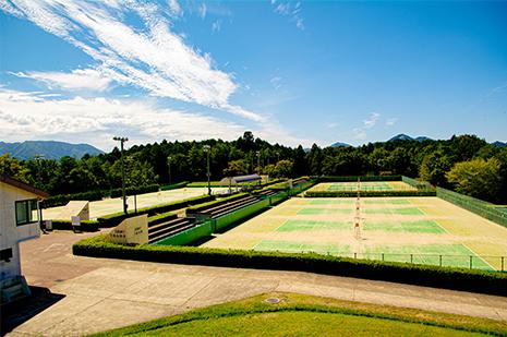 綾部 ゆう月周辺の観光施設 三段池公園 スポーツ施設 体育館 テニスコート