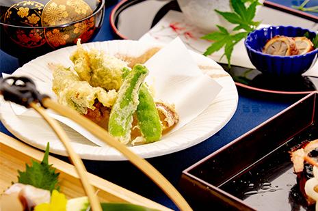綾部のレストラン ゆう月 会席料理 法事 初盆 京野菜 天ぷら
