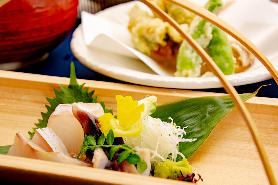 綾部のレストラン ゆう月 会席料理 法事 初盆 京野菜 刺身 丹後鳥貝