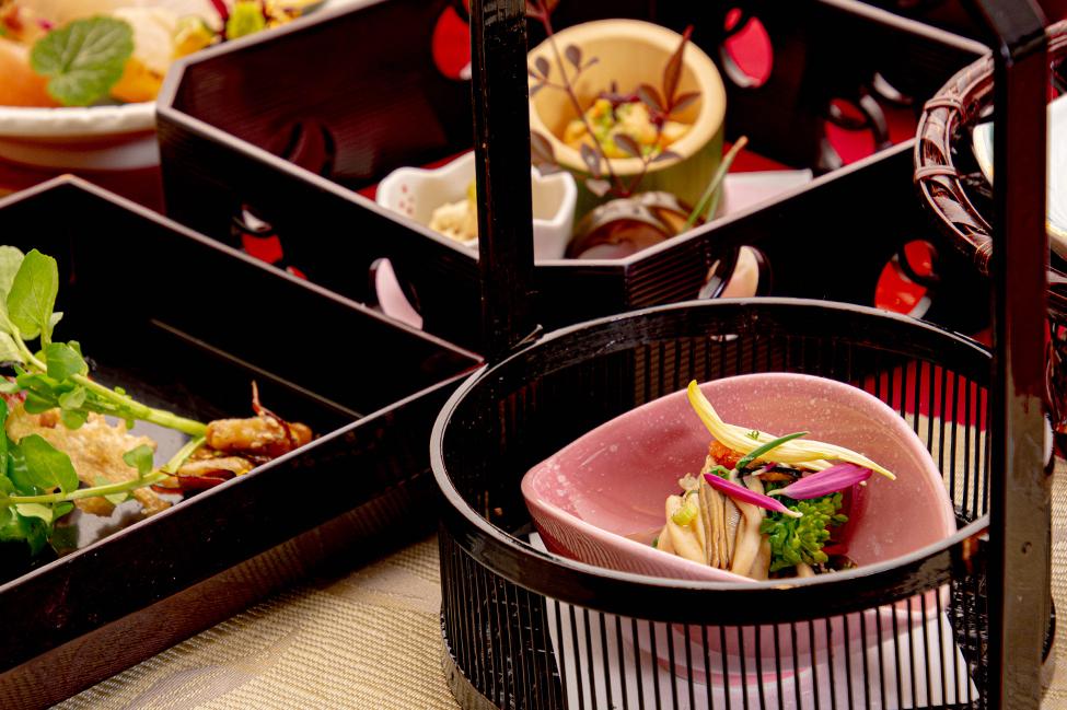 綾部の和食レストラン ゆう月の冬の会席料理 酢物 カキ ポン酢