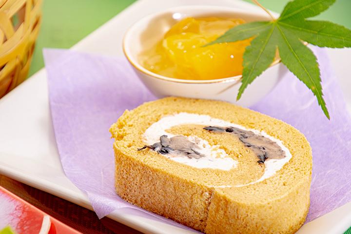 綾部市の和食レストラン ゆう月の6月の会席料理 ロールケーキ