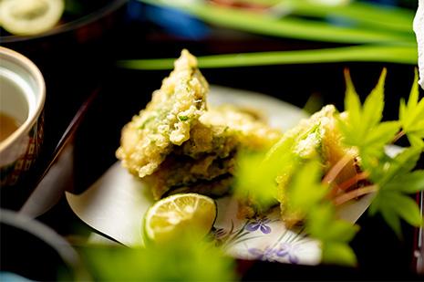 綾部の和食レストラン 夏の会席の穴子の天ぷら