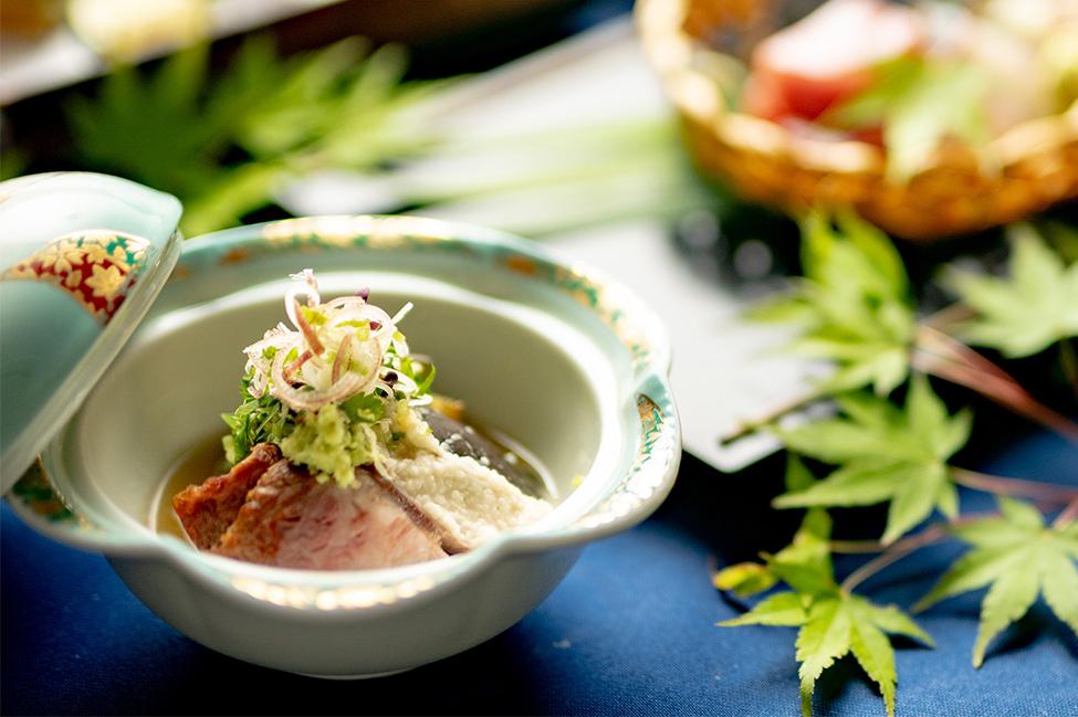綾部の和食レストラン 夏の会席の先付け 賀茂茄子のとろろ掛け 丹波牛