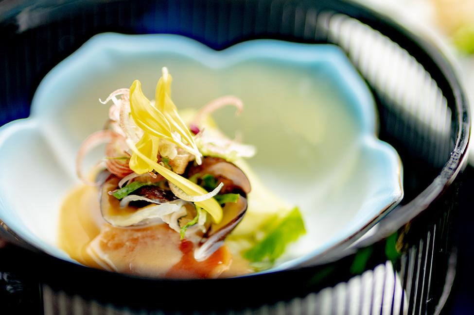 綾部の和食レストラン 夏の会席の酢物 鳥貝 酢味噌掛け