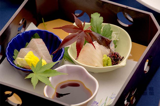 綾部の料亭 ゆう月 5月の会席料理 ヒラメの昆布締め カンパチのお刺身