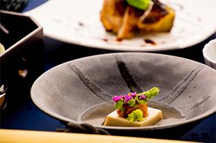 綾部の料亭 ゆう月 5月の会席料理 胡麻豆腐 うに 先付け