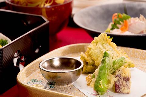 冬の会席 カキの天ぷら 1月の懐石料理