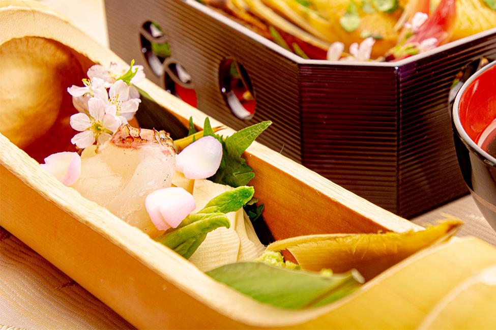 綾部の和食レストラン ゆう月の春の料理 真鯛の昆布締め 丸揚げ筍