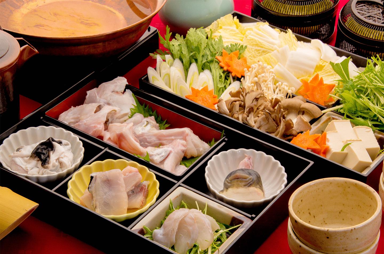 綾部の料亭 ゆう月 お座敷で食べる鍋料理 ふぐ鍋 てっちり