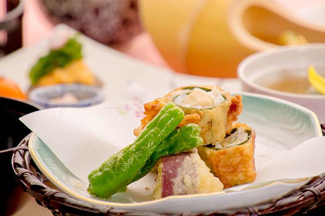 綾部の料亭 ゆう月 春の会席料理 天ぷら 桜鯛 桜 筍