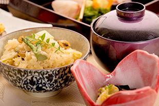 綾部の料亭 ゆう月 春の会席料理 アサリ 山菜ご飯