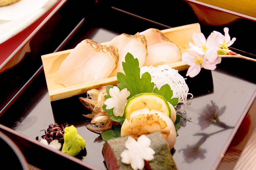 綾部の料亭 ゆう月 春の会席料理 歓迎会 送別会 お花見 刺身 桜鯛 本マグロ