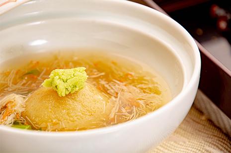 綾部の和食の店 ゆう月の冬の会席料理 蒸し物 海老芋 カニのあんかけ