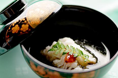 綾部 和食レストラン 夏の会席料理 お吸い物 牡丹鱧